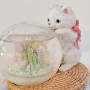 Kitten snow globe